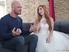 future strife = 'wife' Lauren Phillips enjoys changeless fuck with their way hairless lover